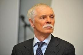 Депутатов ЗакСа вновь подвел невыключенный микрофон