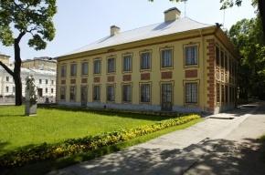 Реконструкция Летнего сада продолжается: Летний дворец и Домик Петра отдали «Профилю»
