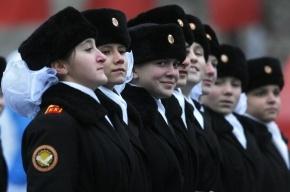 В России решили призывать в армию женщин