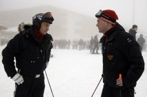 Путин и Медведев встретят Новый год в кругу семьи и уедут кататься на лыжах