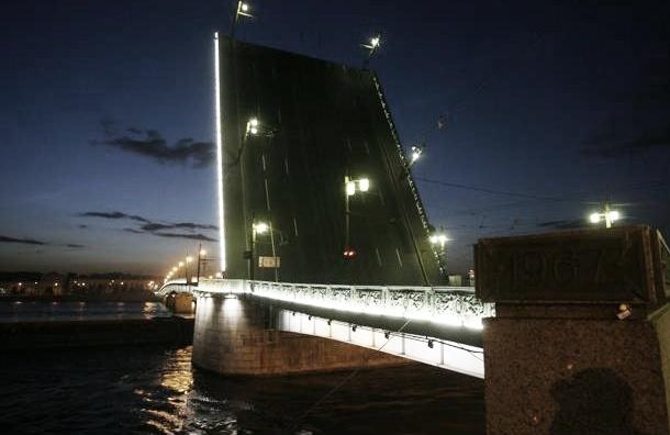 Биржевой и Литейный мосты закроют на несколько ночей