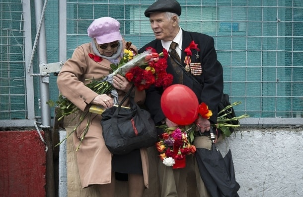 Московские власти подарят ветеранам к 9 мая деньги: от 2 до 4 тыс. рублей