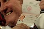 Фото на паспорт для Депардье в ФМС скачали из интернета