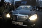 Сердюков отказался отвечать на допросе, следователи грозят сделать его подозреваемым