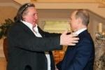 Путин встретился с Депардье и подарил ему российский паспорт