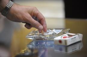В Петербурге опасный рецидивист сбежал из суда, отпросившись за сигаретами