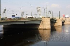 Тучков мост будут разводить по ночам, хотя лето еще не наступило