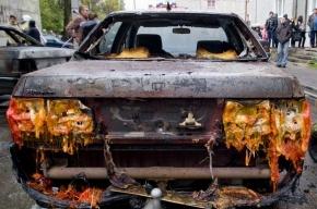 В Петербурге сгорели три автомобиля и один автобус