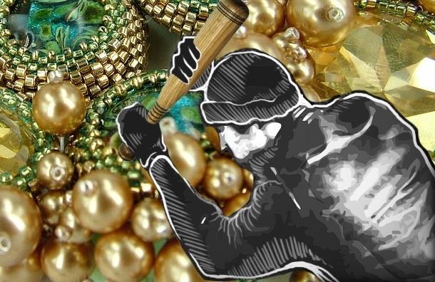 Семеро бандитов с битой и топором вынесли из ювелирного драгоценности на 30 млн