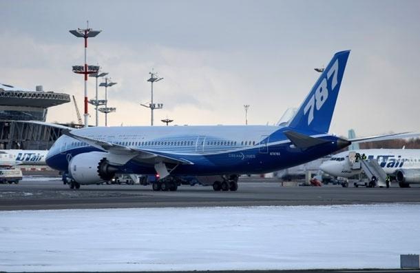 Самолет, следующий  рейсом Краснодар-Москва, совершил аварийную посадку