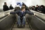 Фоторепортаж: «инвалид в метро»