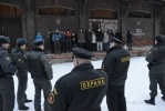 Фоторепортаж: «Сквот на Варшавском вокзале. Разгон»