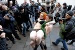 По Невскому проспекту люди бегали в трусах : Фоторепортаж