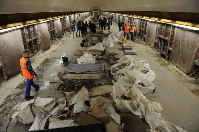 Петербургской подземке приходится тратить весь доход на некачественный ремонт