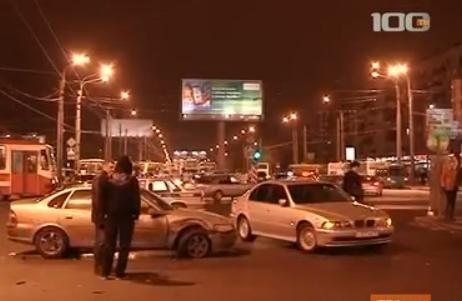 ДТП у метро Дыбенко 14.02.2013 - кадры: Фото
