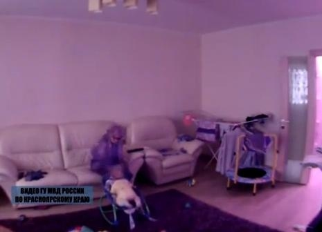 Няня избила 9-месячного ребенка в Красноярске: Фото