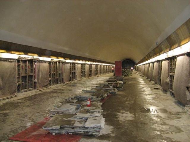 Ремонт метро Петроградская: Фото