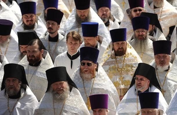 Церковь будет обязана обеспечить священников и церковных работников соцгарантиями