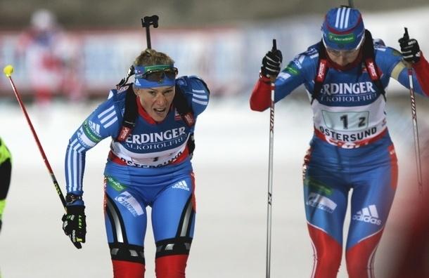 Биатлон. Женскую эстафету выиграла сборная Норвегии. Россиянки - четвертые