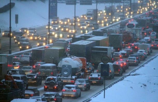 Власти Москвы ввели ограничение на въезд грузовиков на МКАД