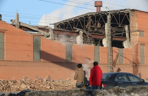МЧС уточнило число пострадавших от метеорита зданий