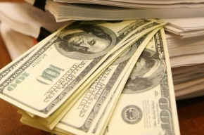 Внешний долг России превысил золотовалютные резервы: каждый россиянин должен по 4 200 долларов