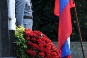 Депутаты ЗакСа купят траурные венки и гирлянды