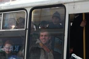 Петербуржец пожаловался Полтавченко на то, что его заставляют держаться за поручни в автобусе