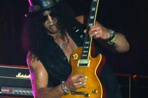 Бывший гитарист Guns N'Roses Слэш выступит в Петербурге