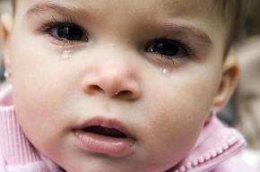 Няня, избивавшая младенца, пошла под суд благодаря скрытой камере