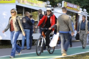 Смольный отказался от программы строительства велодорожек
