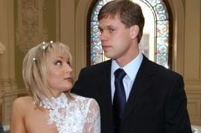 Радимов и Буланова разводятся, но не могут поделить квартиру