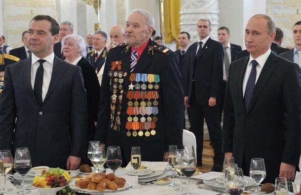 Рейтинг одобрения деятельности Путина вырос на 3%