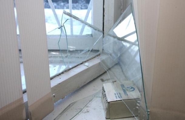 Ради компенсаций предприимчивые челябинцы выбивают стекла