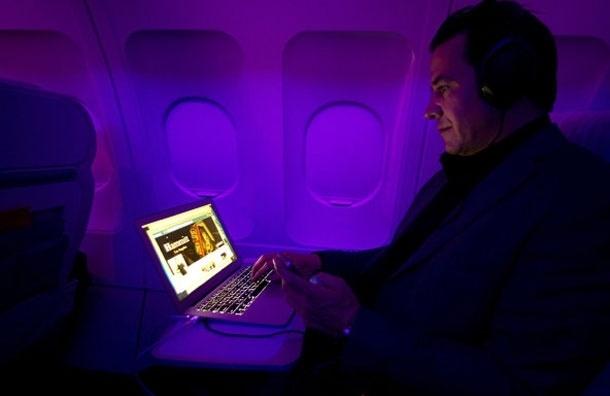 В США могут разрешить использование электронных устройств во время взлета и посадки уже в 2013 году