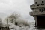 Шторм в Сочи 24 марта 2013: Фоторепортаж
