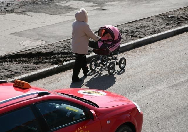 Мамы с колясками: Фото