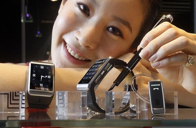 Телефон-часы Samsung S9110 : Фото
