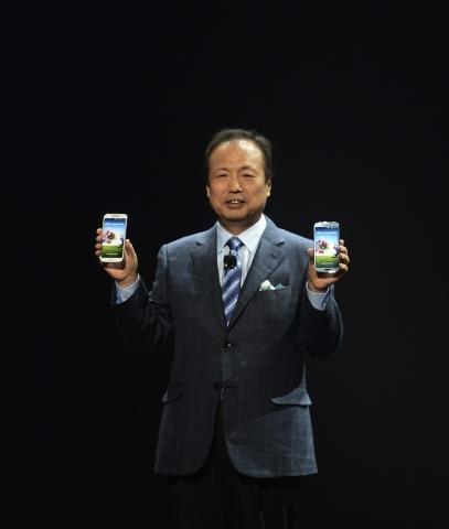 Samsung Galaxy S4 - фото: Фото