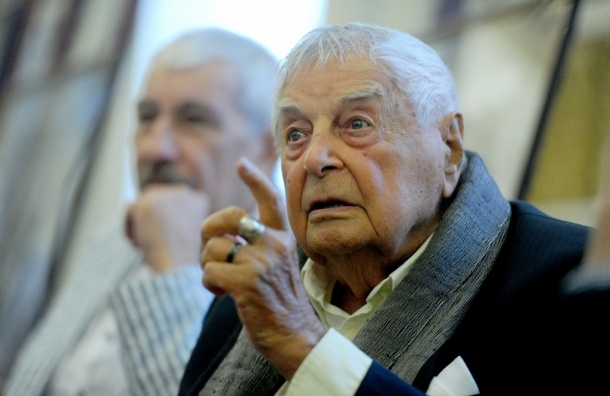 Юрий Любимов запретил Театру на Таганке показ своих спектаклей