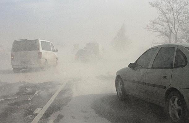 Снежная катастрофа. Циклон перекрыл дороги по всей России