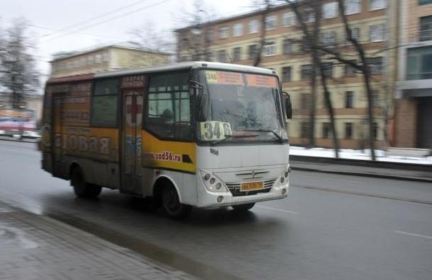 Маршрутки Петербурга захватывают нелегальные перевозчики с оружием