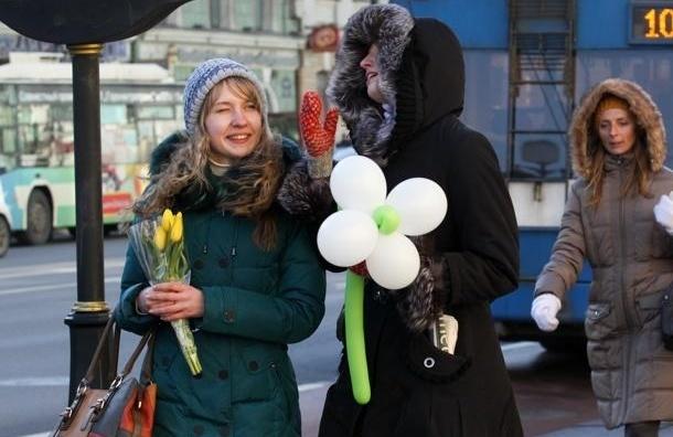 Восьмое марта по-русски: цветы резко выросли в цене, а проблемы женщин остались