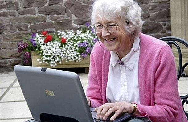 Facebook улучшает память пожилых людей - исследования