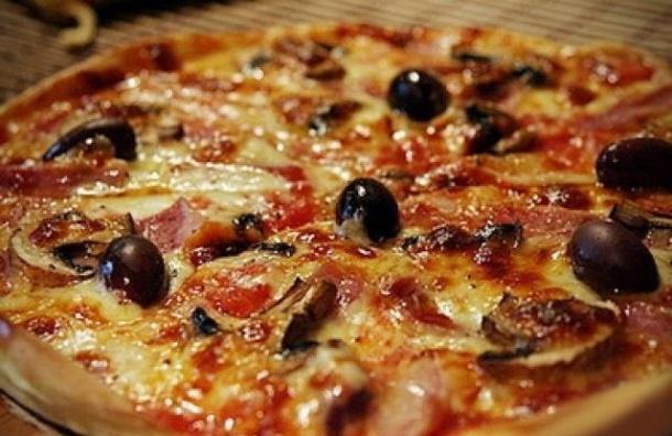 Мужчина, захвативший заложников в Астрахани, потребовал пиццу