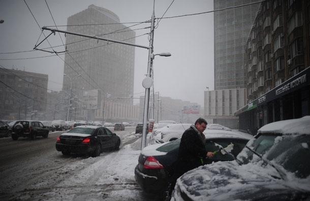 Снег пошел. Пробки в Москве достигают 7 баллов