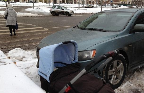 «В Москве, как в Африке, лучше купить рюкзак и носить малыша за спиной» - Марина Пурим