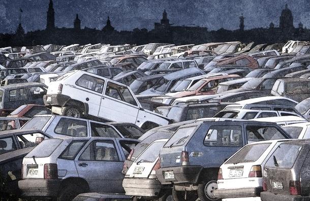 Дворы Петербурга превращаются в стихийные стоянки автохлама