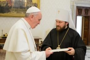 Патриарх Кирилл прислал Папе Римскому свою книгу и образ Божьей Матери