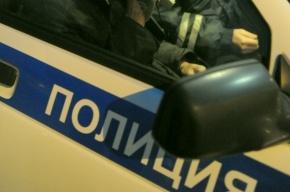 Житель Петербурга вышел в подъезд и застрелился из ружья из-за долгов